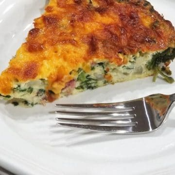 Easy Cheesy Spinach and Ham Crustless Quiche